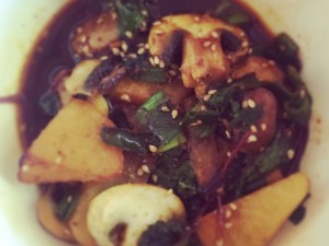 Gemüse in feiner Tamari-Sesam-Soße – lecker auch am Frühstückstisch