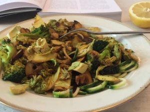 Powerfood – Zucchininudeln asiatisch, glutenfrei und vegan