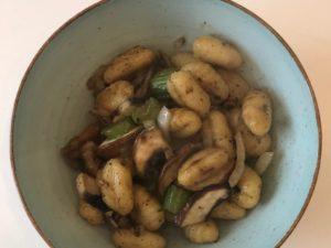 Vegane Leckerei: Gnocchi mit Pilzrahm