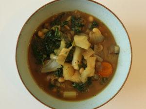 Weiße Bohnensuppe – herzhaft, vegan, lecker