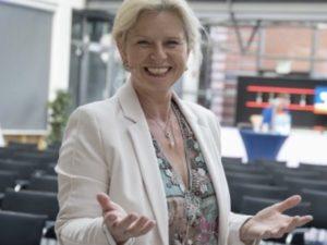 #100: Schmeiß dich ins Leben – ein Gespräch mit Martina Schmidt-Tanger